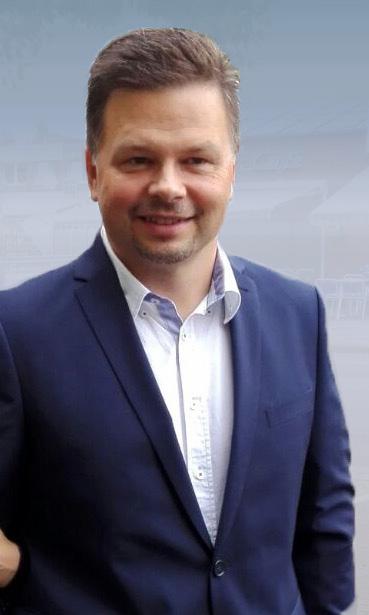 polski adwokat w Niemcze Stefan Slabik w granatowym garniturze